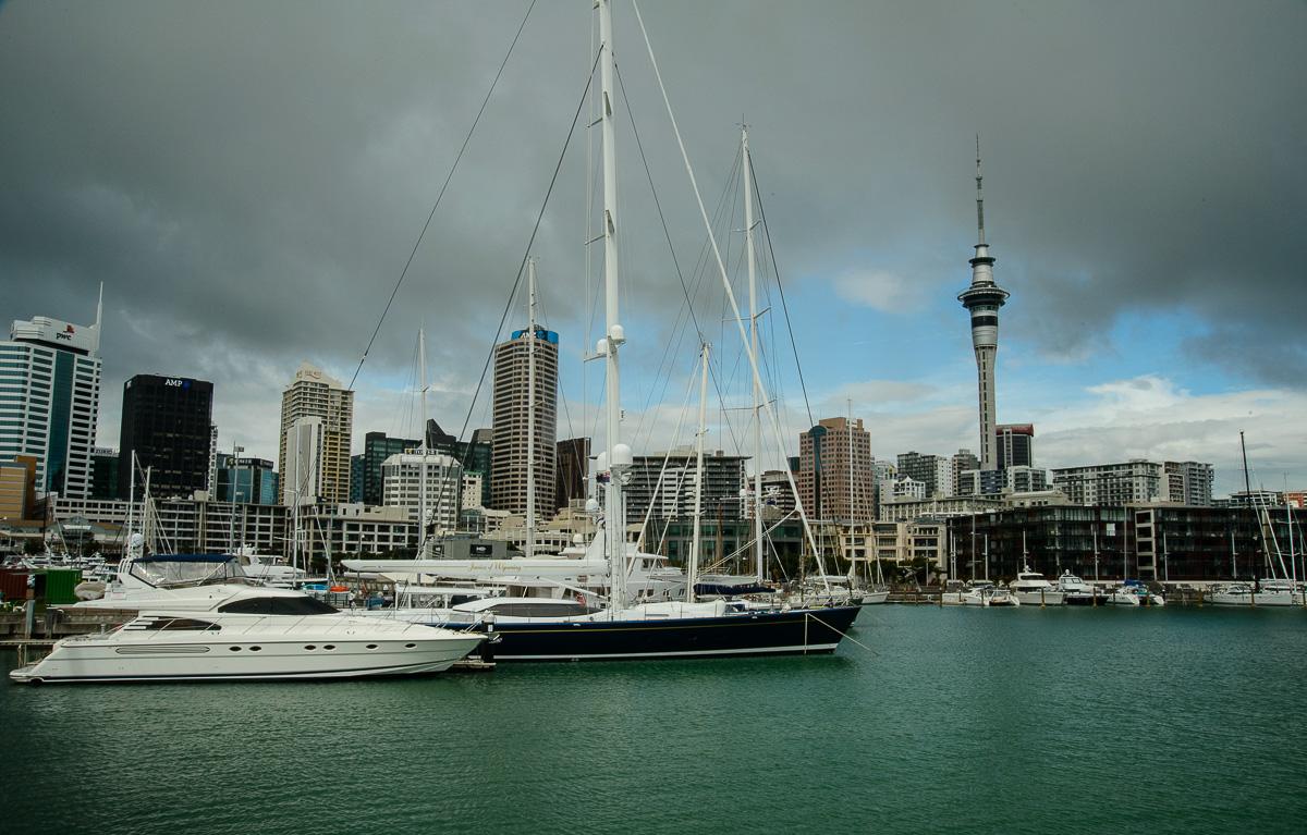 Skyline desde Viaduct Harbour, Auckland - Nueva Zelanda - Nueva Zelanda, Isla Norte. Roberto Bueno; Fotografía de Naturaleza y Viajes