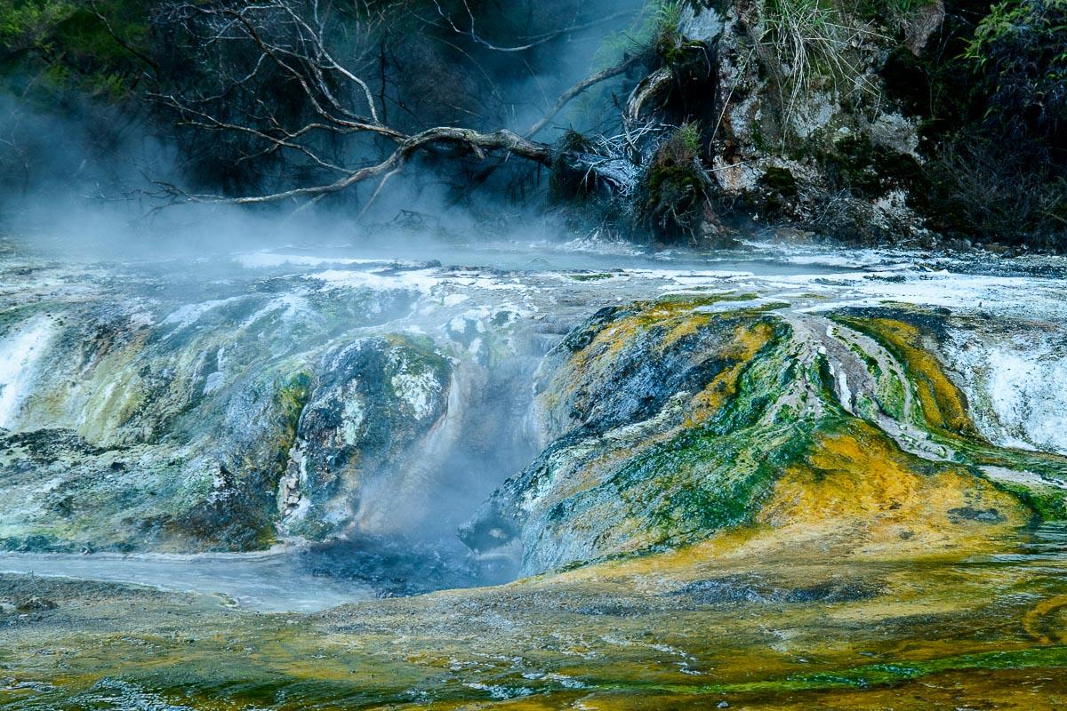 Terrazas de Mármol, Valle volcánico de Waimangu - Nueva Zelanda - Nueva Zelanda, Isla Norte. Roberto Bueno; Fotografía de Naturaleza y Viajes