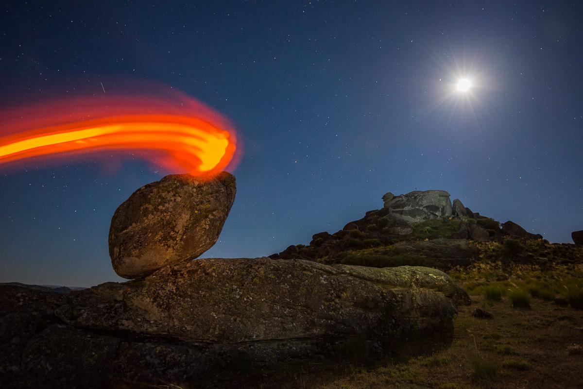 Roca de fuego. Sierra de Béjar - Luces en la noche - Luces en la Noche. Roberto Bueno. Fotografía de Naturaleza y viajes