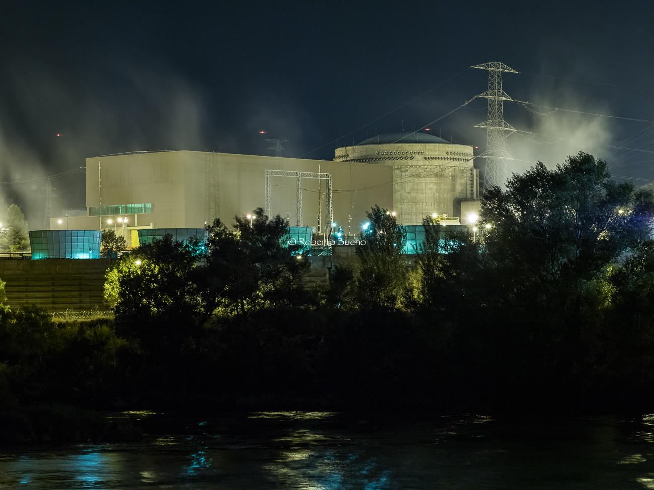 Central Nuclear de Ascó y río Ebro - Energía Nuclear - Roberto Bueno. Energía Nuclear y Centrales Nucleares