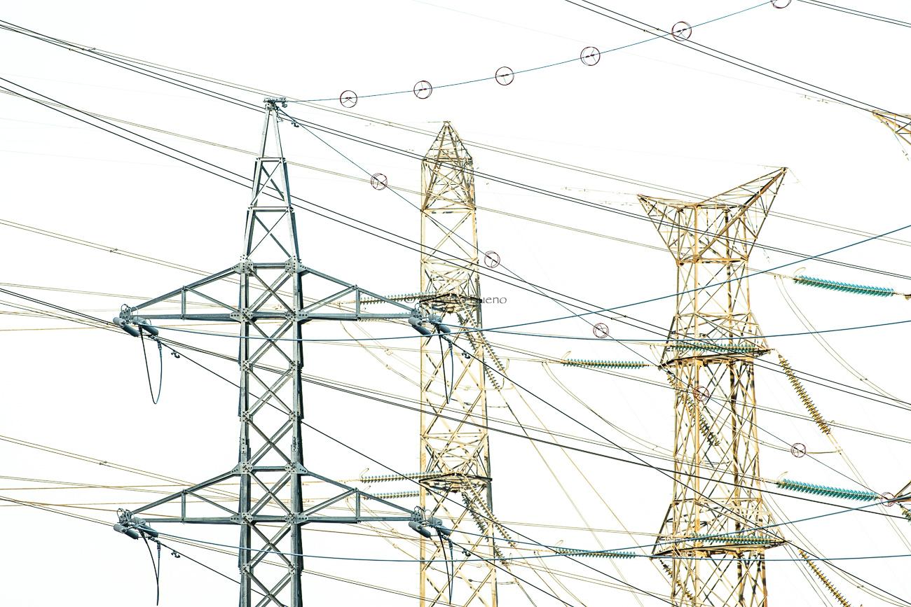 Torres de alta tensión - High voltage towers - Roberto Bueno. Pictures of Wind Power and Wind Turbines
