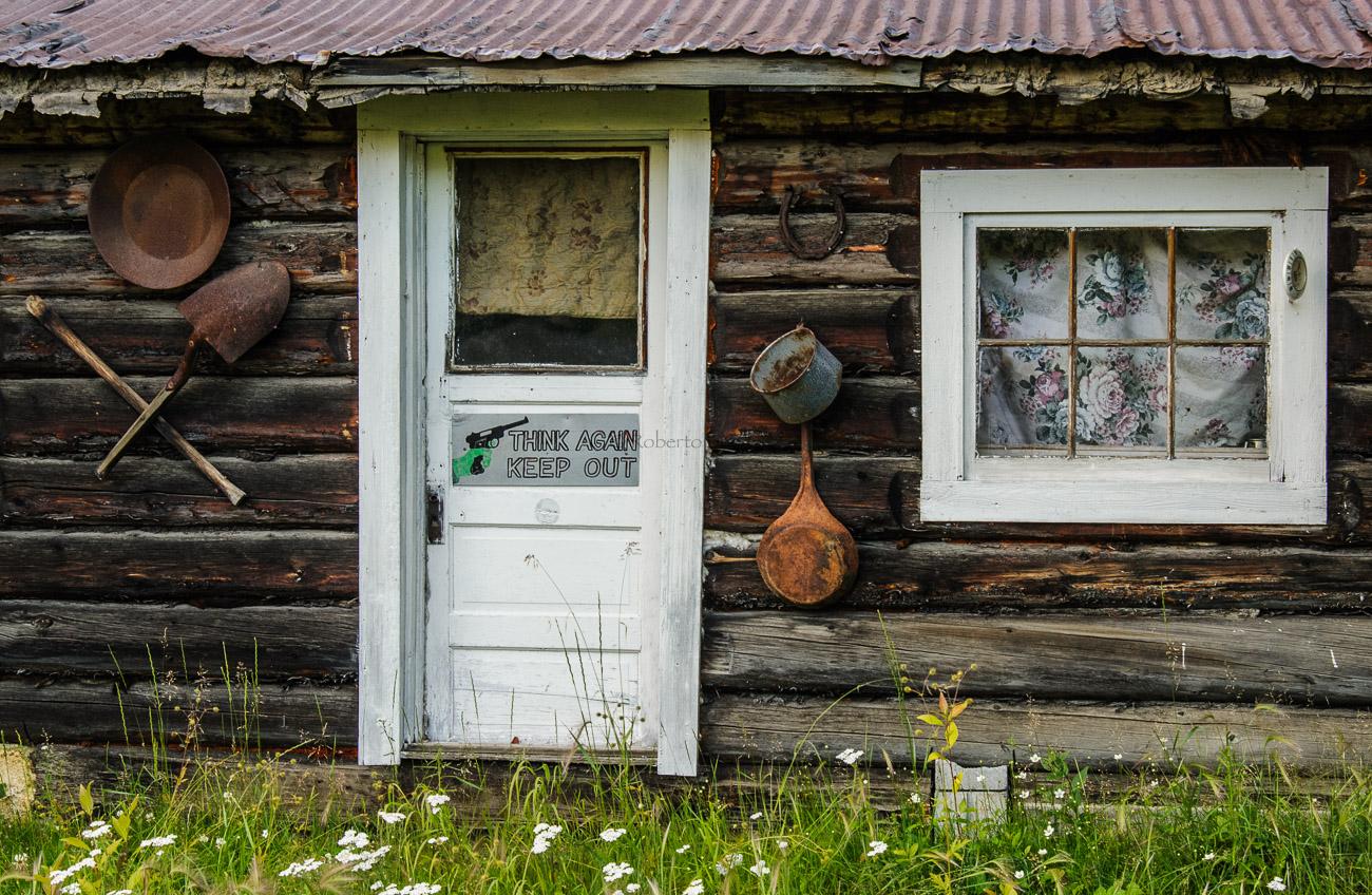 Piénsatelo otra vez y largo. Vieja cabaña - Yukon, NWT y Dempster - Roberto Bueno. Luces del Planeta. Fotografías. Yukon, Territorios del Noroeste y Dempster Highway