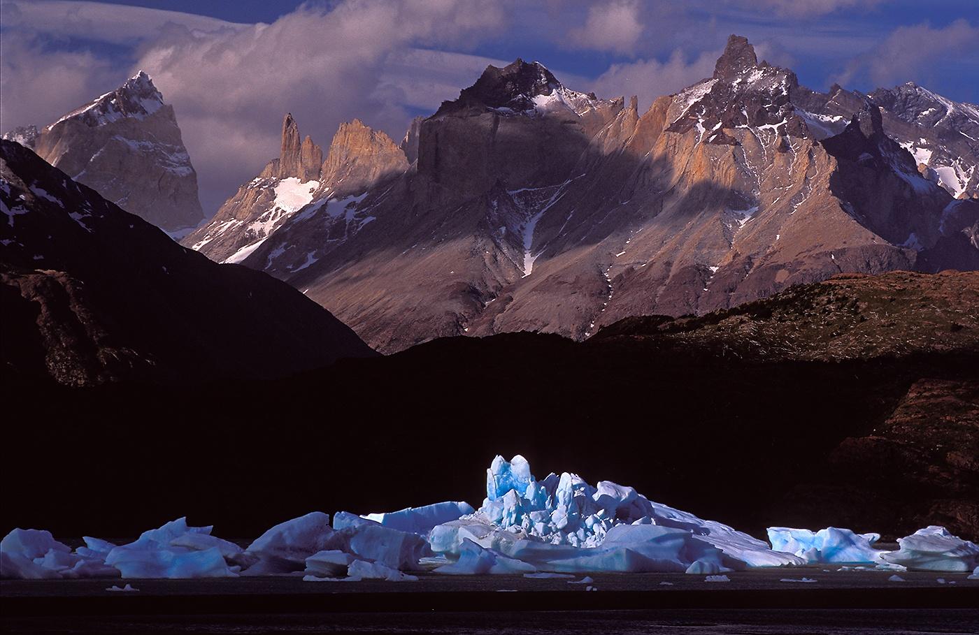 Playa de los Témpanos. Lago Grey. Patagonia. Chile - Luces del Planeta - Luces del Planeta - Roberto Bueno – Fotografía de Naturaleza