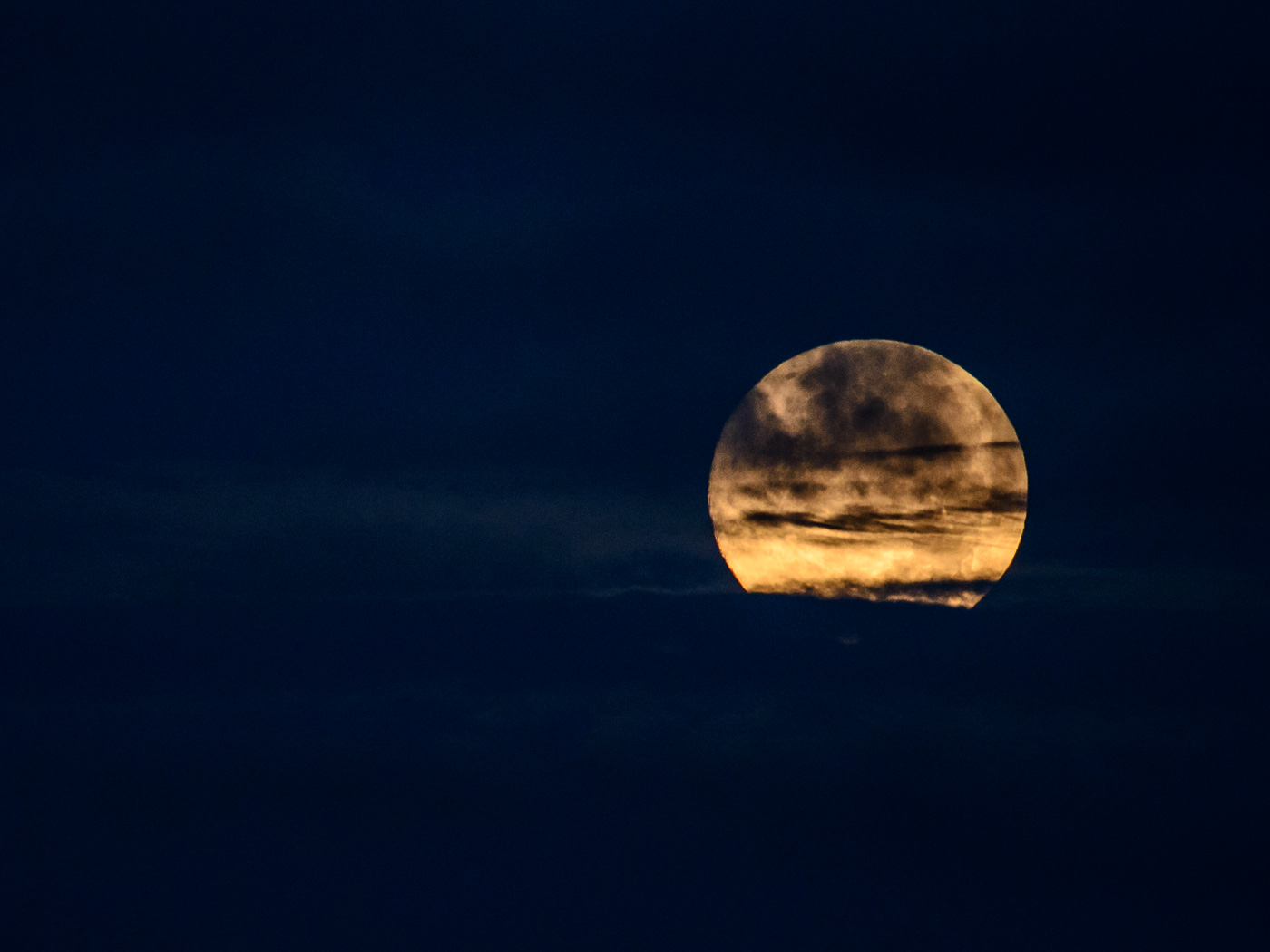 La Luna a la luz del Sol - Luces en la noche - Luces en la Noche. Roberto Bueno. Fotografía de Naturaleza y viajes